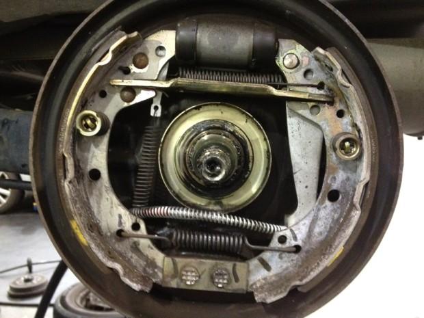 Shop Shots Volume 31 Insider Pictures of Automotive Service