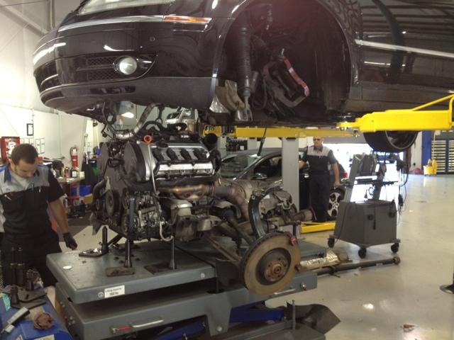 Removing engine on VW Touareg