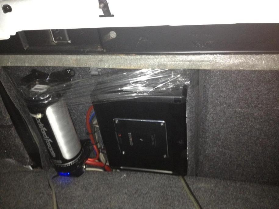 Poor Amp Install Autotive Service