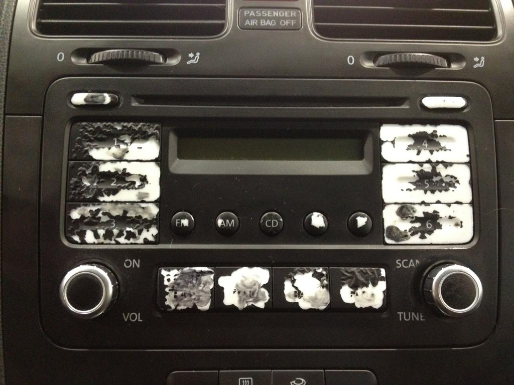 Volkswagen radio button pealing