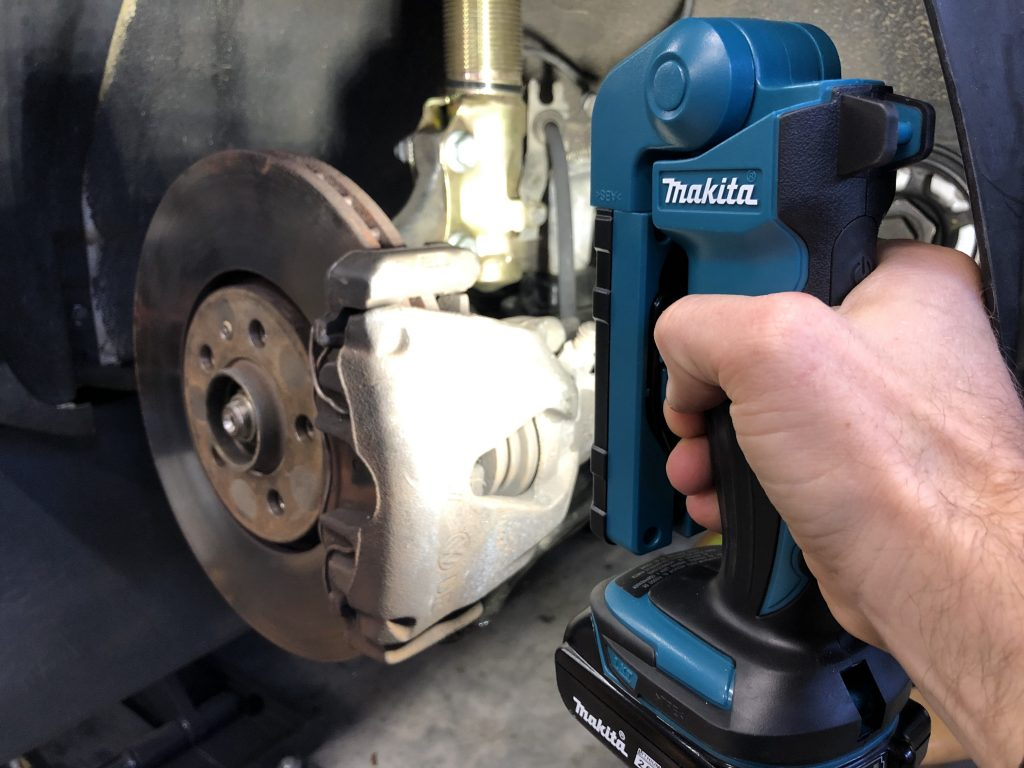 MAKITA 18-VOLT LXT LITHIUM-ION CORDLESS 12 LED FLASHLIGHT